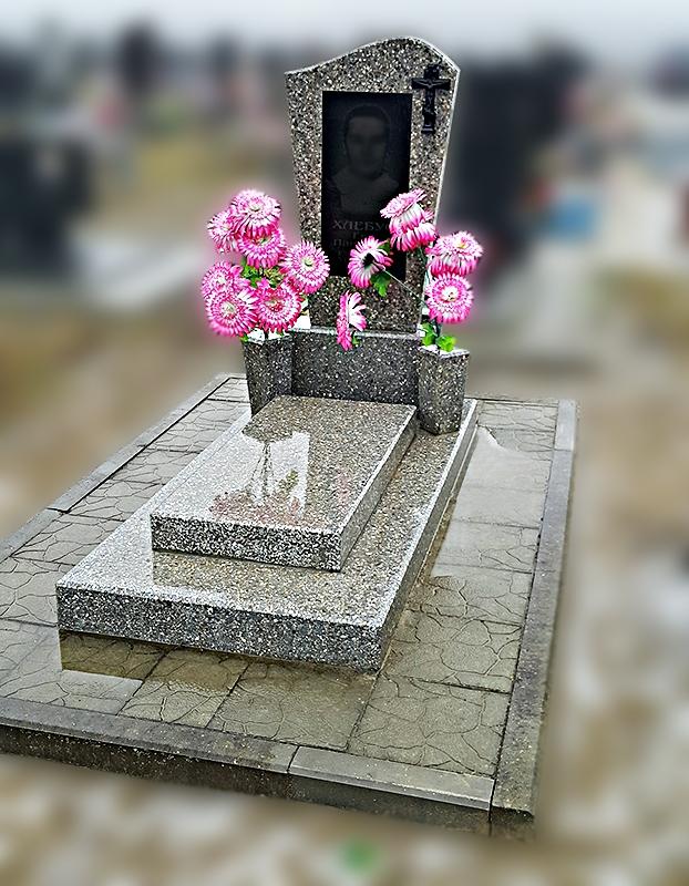 Благоустройство могил плиткой
