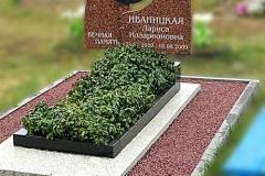 Благоустройство могил декоративной крошкой Пинск